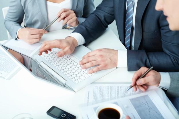 advokát - finanční právo